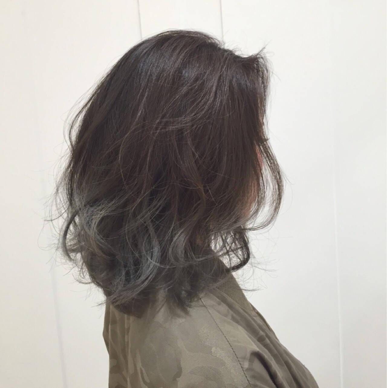 モード グレージュ アッシュグラデーション グラデーションカラーヘアスタイルや髪型の写真・画像