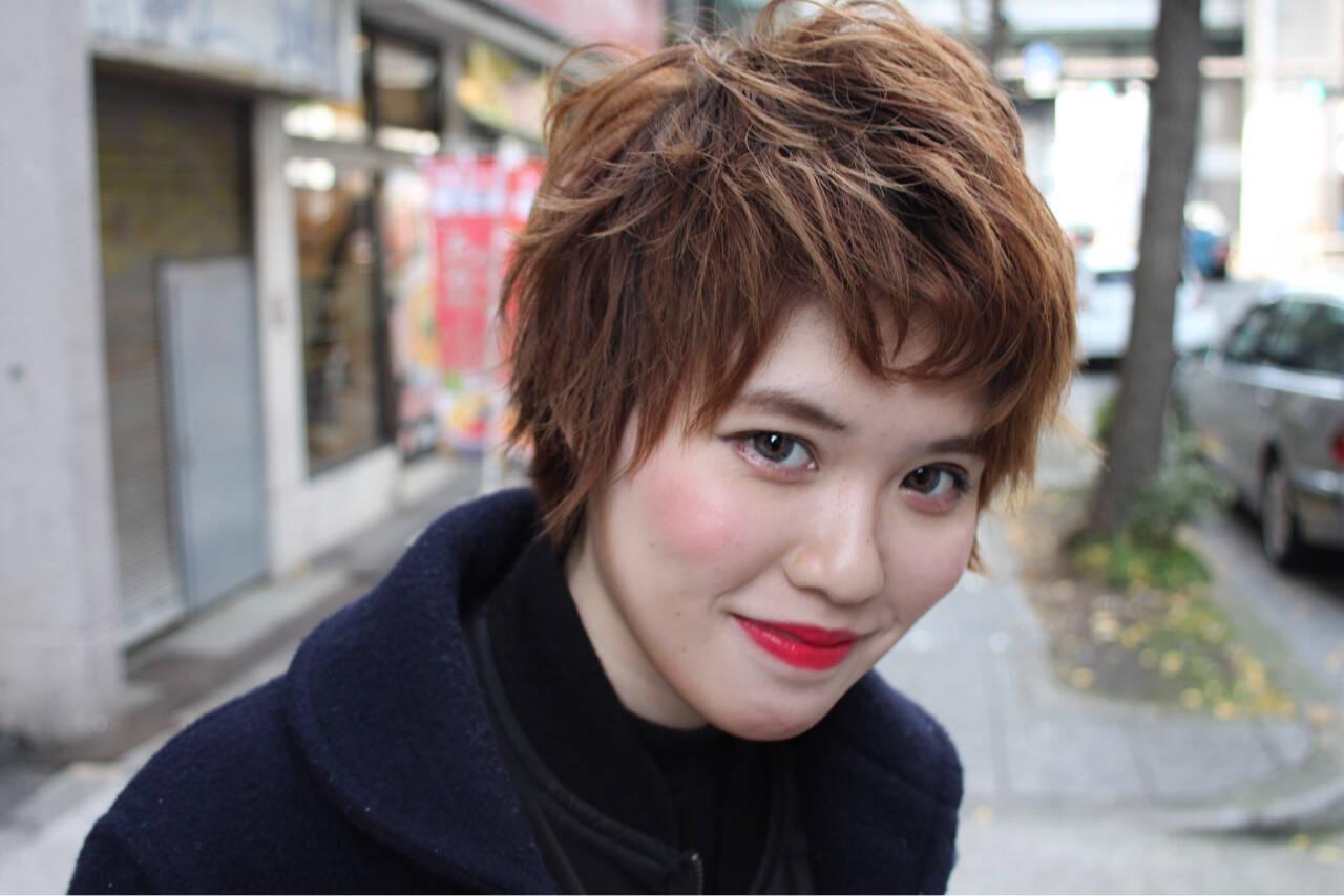 外国人風 ショート 外ハネ モードヘアスタイルや髪型の写真・画像