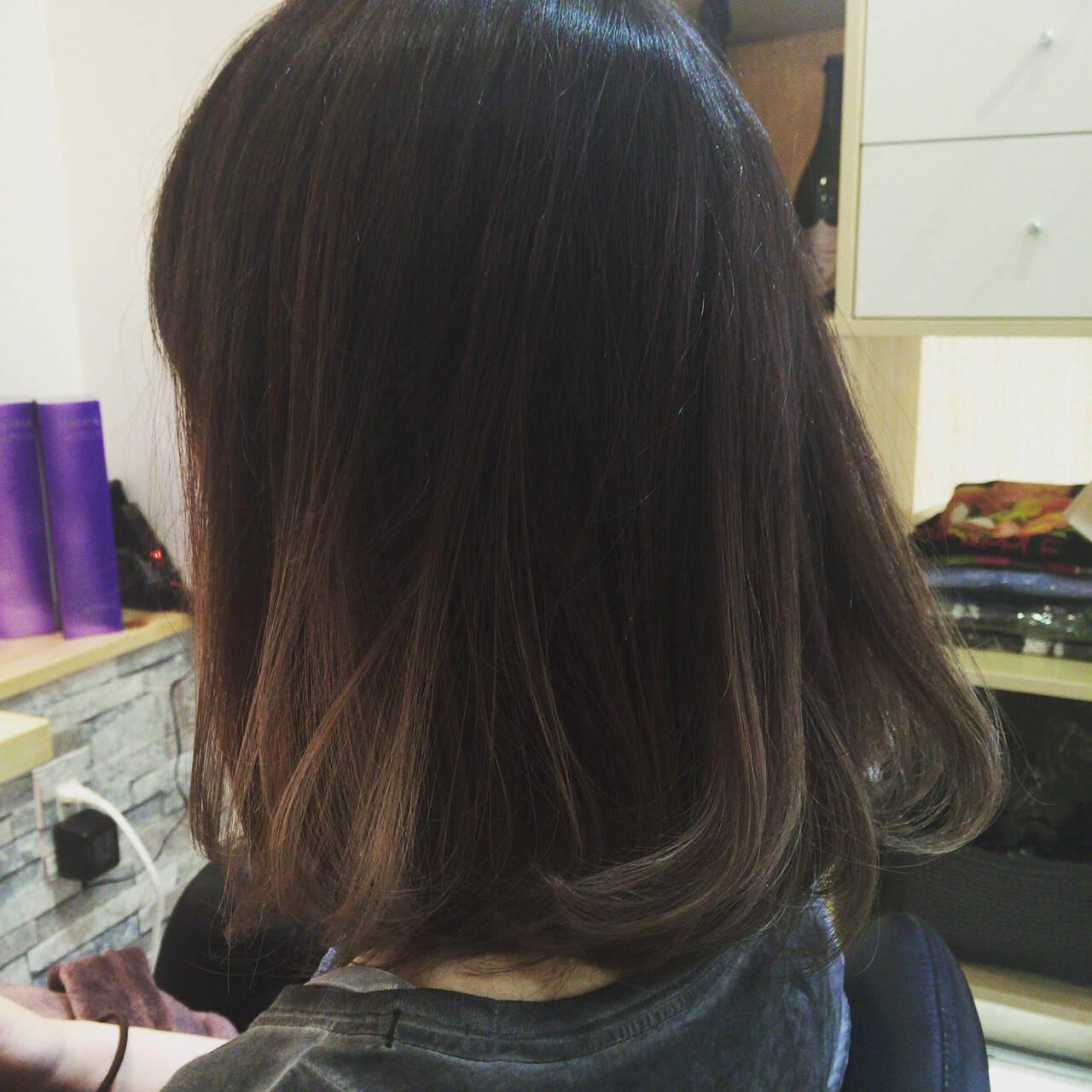 ゆるふわ ボブ ブラウン グラデーションカラーヘアスタイルや髪型の写真・画像