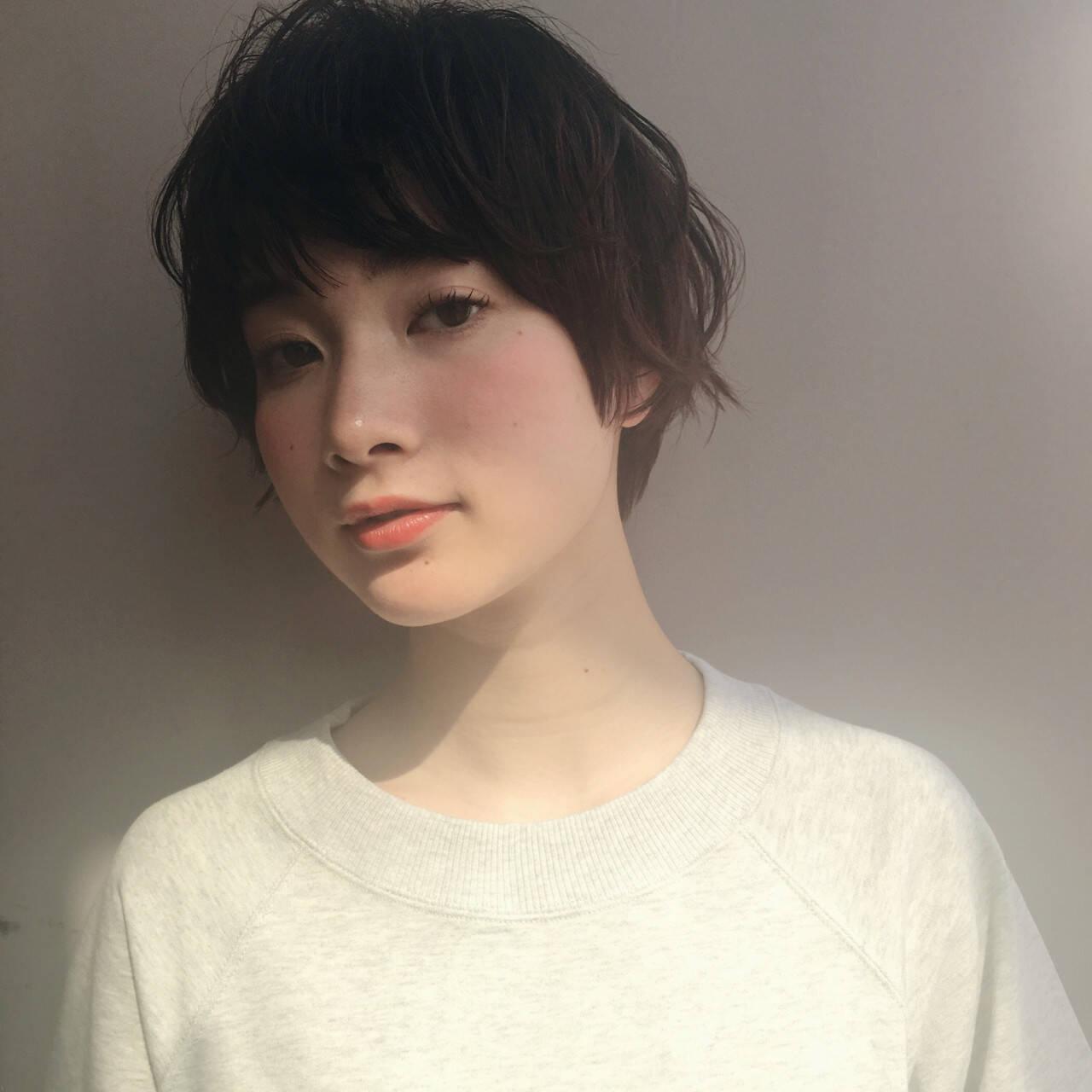 小顔 ミルクティー 大人女子 ニュアンスヘアスタイルや髪型の写真・画像