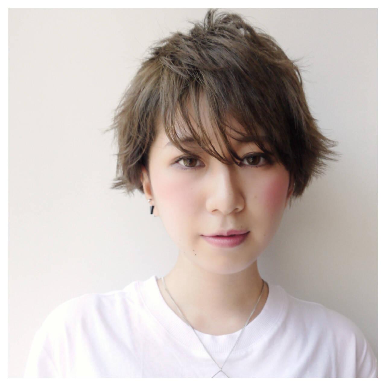 アッシュ 透明感 秋 ショートヘアスタイルや髪型の写真・画像