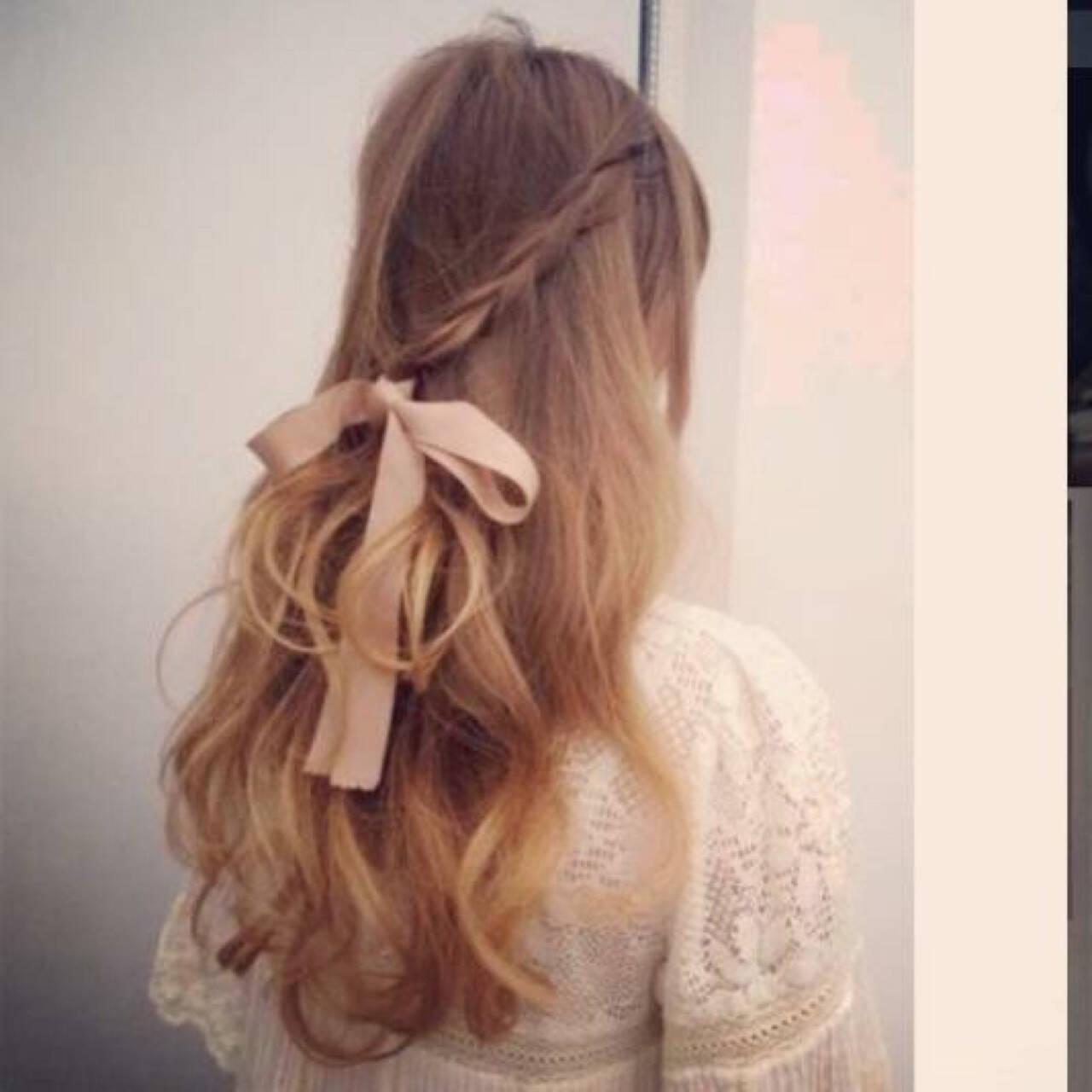 編み込み フェミニン ガーリー ハーフアップヘアスタイルや髪型の写真・画像