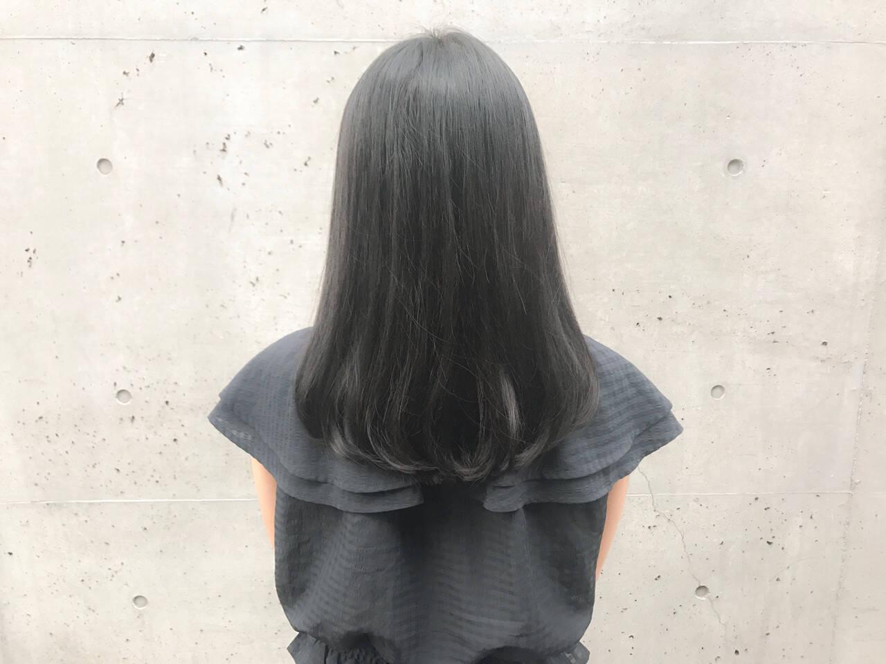 ミディアム 艶髪 ナチュラル デートヘアスタイルや髪型の写真・画像
