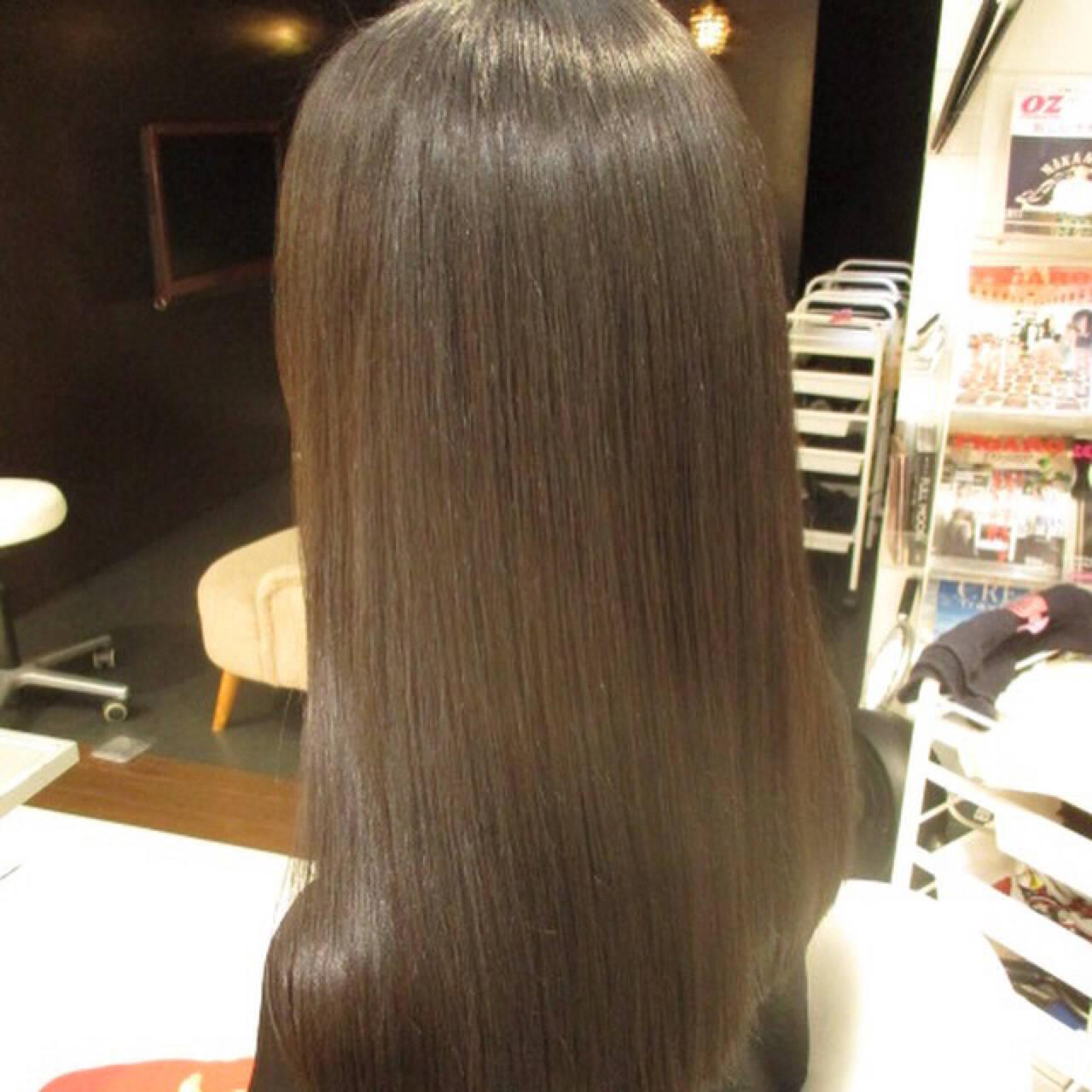 ロング イルミナカラー 暗髪 モードヘアスタイルや髪型の写真・画像