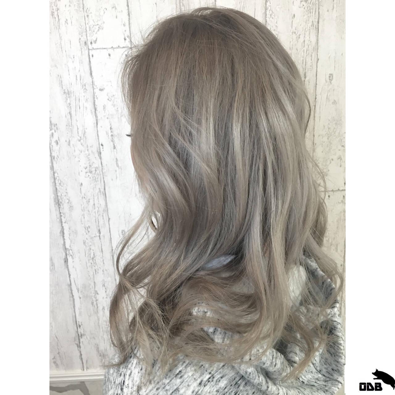 シルバー 外国人風 外国人風カラー ストリートヘアスタイルや髪型の写真・画像