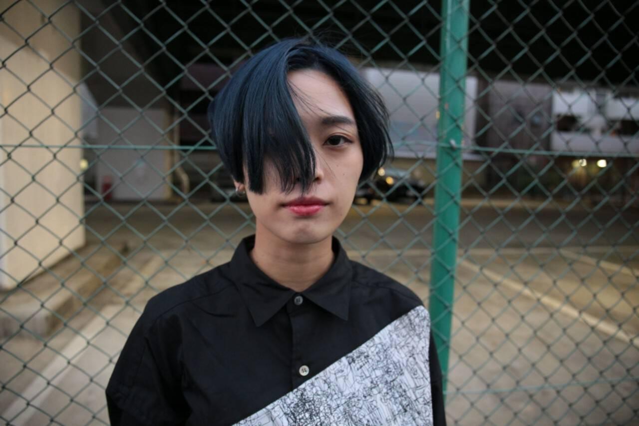 ショート ブルー ハイトーン ブリーチヘアスタイルや髪型の写真・画像