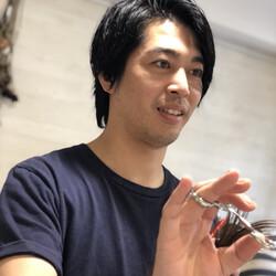 田島 靖久